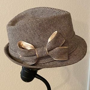 Vintage women's top hat